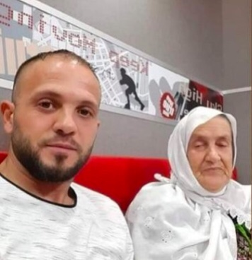 Palestinian Man Scales Hospital Building Every Day To Visit His Mum  Battling COVID-19 – The Stringer